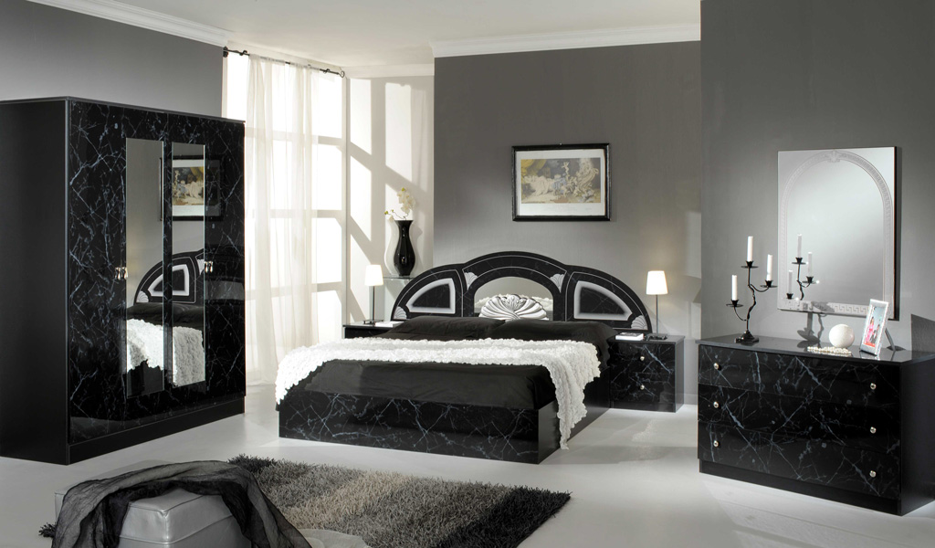 economico. Black Bedroom Furniture Sets. Home Design Ideas